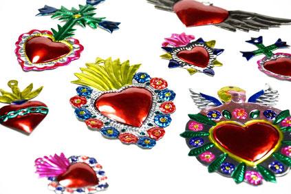 mexikanische-wanddeko-blechherzen