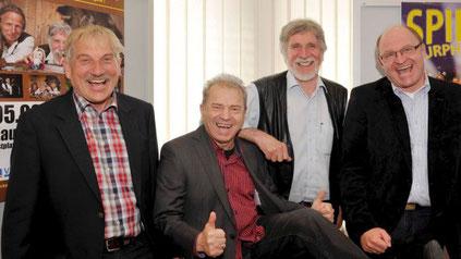 Bei der Pressekonferenz (von links): Bürgermeister Erich Püttner, Günter Sigl (Spider Murphy Gang), Zither-Manä alias Manfred Zick und Bernhard Schloemer (Veranstalter).