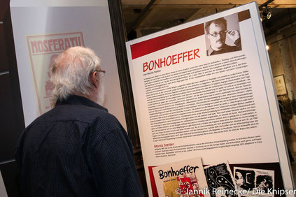 Es wurden Comics über das Leben des jüdischen Boxers Hertzo Kraft, über den Theologen und Widerstandskämpfer Dietrich Bonhoeffer und über weitere Geschichten von Personen aus der damaligen Zeit verfasst.