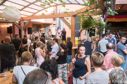 Trotz der Weinmeile waren auch viele Leute im Weingut Blümel dabei.