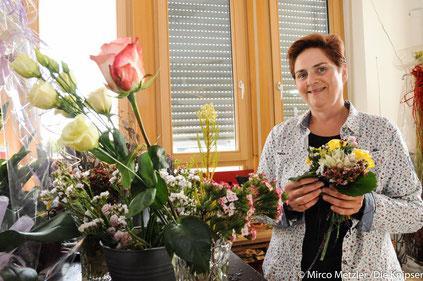 Claudia Bumb bietet von Brautsträußen, über Tischdekoration bis hin zu originellen Geschenken alles an.