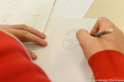 Beim Zeichnen der Comics konnten die Jugendlichen einiges zur Geschichte des Ortes lernen.