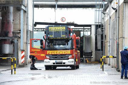 Ein etwa 100 Quadratmeter großer Lagerraum von der Firma Intersnack Knabbergebäck GmbH & Co. KG stand in Flammen.