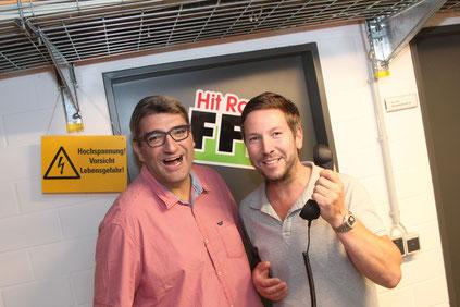 """HIT RADIO FFH-Comedy-Redakteure Dirk Haberkorn und Boris Meinzer, die in der Kategorie """"Beste Comedy"""" für den Deutschen Radiopreis 2017 nominiert sind."""