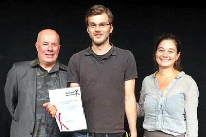 Autorenwettbewerb: Jury-Mitglied Jürgen Berger, Maximilian Lang (Gewinner des Nachwuchsautorenwettbewerbs 2017) und die Künstlerische Betriebsdirektorin Petra Simon Foto: Bernward Bertram