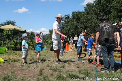 Durch Spiele wie Hufeisenwerfen oder Sackhüpfen wurde auch für die Unterhaltung von Jung und Alt gesorgt.