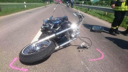 Eich, Schwerer Unfall L440 mit Motorrad- Radfahrer Foto: Polizei