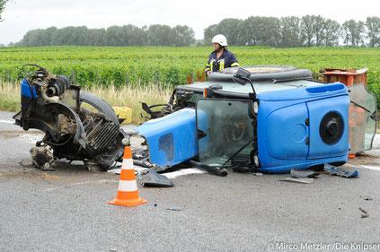 Unfallbeteiligter Traktor