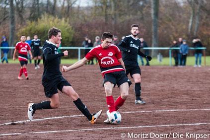 Marius-Dänut Petrovin bei seinem Schuss zum 1:0 für den FSV 03 Osthofen.