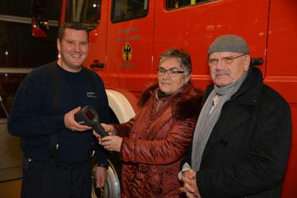 v.l.) Peter Rot, Gisela Schwentke, Walter Jertz. Foto: Feuerwehr Oppenheim