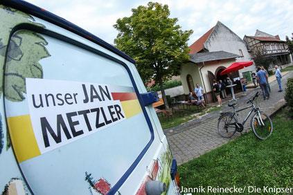 Aus dem Eichhäuschen in der Altbachanlage wurden nebenbei auch noch Getränke angeboten.