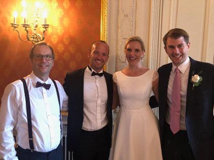 Mit meinem glücklichen Brautpaar nach der Trauung