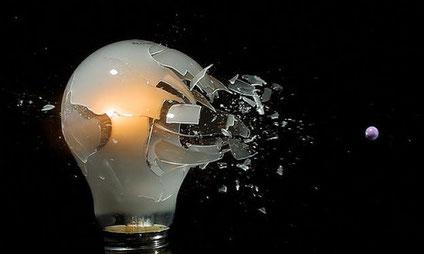 Dépannage : L'entreprise d'électricité BATTAGLIA vous dépanne dans tous les domaines touchant à l'électricité.
