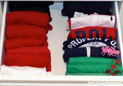Camisetas dobladas en vertical - www.AorganiZarte.com