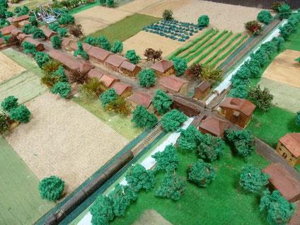Maquette du village de Lespinasse vers 1900 - 1930 (G. Bonnutti) de Lespinasse bord du canal et voie ferrée tel que ( à une habitation près)  Henri Matisse l'a découvert en 1899.