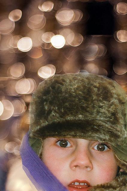 Bokeh. Gevormd door voor eendiafragma van f1.8 te kiezen krijgen de lichtcirkels zachte randen ( 50mm objectief). kind voor kerstlampjes