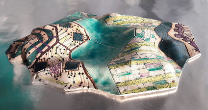 Keramik, gebrannt,glasiert, Kunstpbjekt tekktonische Platte, Katrin Leitner