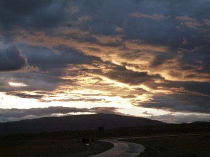 この世のものとは思えない壮大な夕日 『一生忘れない』