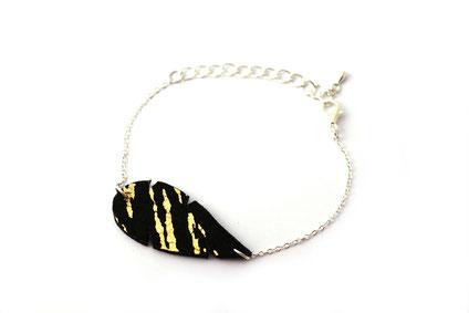 sarayana, bijoux cuir, bracelet cuir, bracelet plume, plume de cuir, bracelet noir et doré, bijoux plume cuir, bijoux fait main, création bijoux,