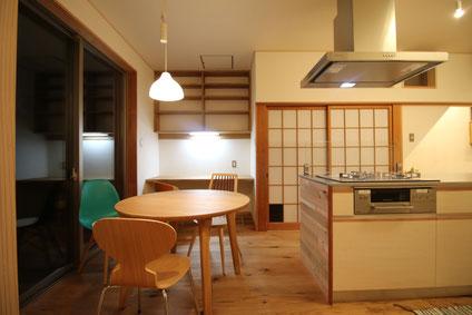 小さな家 木の家 リノベーション 小屋 素材 デザイン 暮らし 堺市 薪ストーブ