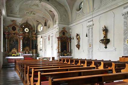 Heilig-Geist Kirche in Hall in Tirol Einbau Induktionsschleife für Schwerhörige mit Hörgerät