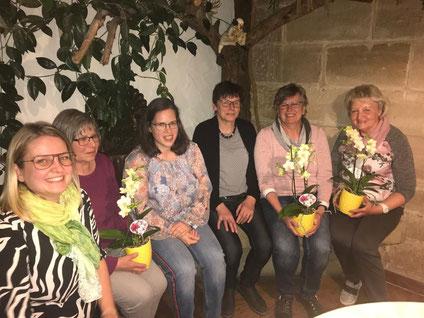 Katharina Haag, Gertrud Schneider, Christine Bielesch, Petra Abele, Eva Seidl und Gisela Maihöfer - Verabschiedung der Vorstandsdamen mit dem Vorsitzendenteam