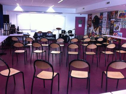 La salle d'éducation musicale du collège Aimé Césaire de Vaulx-En-Velin