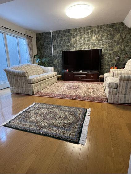 ESFAHAN wool&silk  6㎡ SEIRAFIYAN 素敵です♡ 手前はTABRIZ当店オリジナルwool  120x80サイズ 愛犬様のお座りになられるお席です。