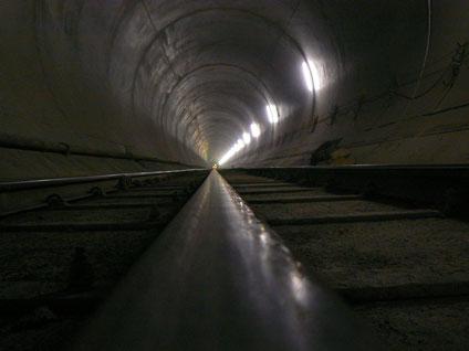 Revêtement intérieur en béton lisse de tunnels