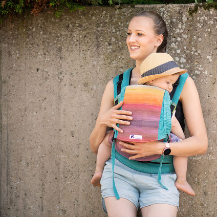 Huckepack Half Buckle Babytrage ab Geburt, stufenlos mitwachsendes Rückenpanel aus Tragetuchstoff, Hüftgurt mit Schnalle, Träger zum Binden
