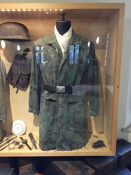 La giacca in esposizione al Museo del fiume Po a Felonica (Mantova)