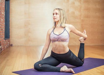Hat einen BMI von 21,7, machte aber zur Sicherheit direkt noch ein paar Fitnessübungen, nachdem sie das Faktenbild gesehen hat: Zumbatrainerin Silvia T.