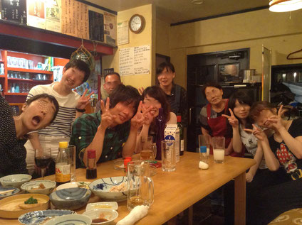 「みしまじょろ食堂」のご家族と常連さん、お約束目つぶし攻撃☆