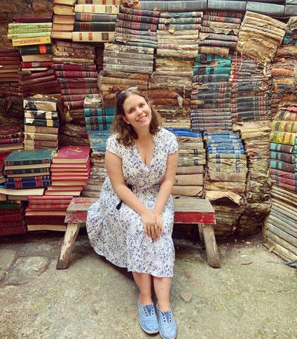 Einmal in die Kleider meiner Romanfiguren schlüpfen.     Foto: Velouli1