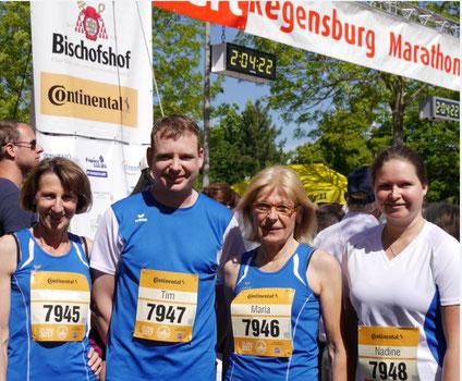 Maria Janda, Tim Kunat, Maria Brunner und Nadine Kunze beim Regensburg Marathon 2017