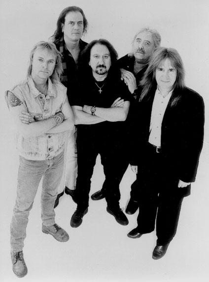 Die Band Uriah Heep Mitte der 90er-Jahre. Die Briten waren vor Ort, sind aber nicht auf die Bühne gegangen, als das Festival in Auflösung begriffen war. Foto: Promo