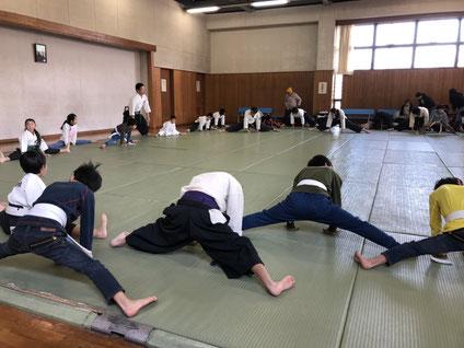 躰道_ストレッチ_開脚