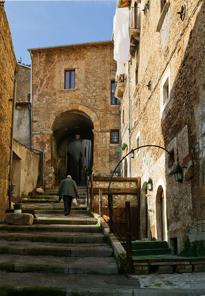 Rosciolo, L'Aquila