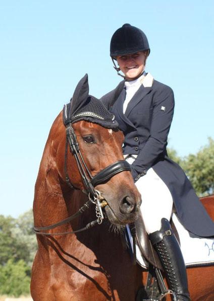 """Dressurreiterin Yessica Schröder vom RV Ihleburg auf Florensiano. Sie sagt: """"Ein Pferd ist kein Sportgerät."""" Foto: Aileen Hoffmann"""