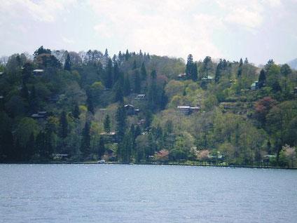野尻湖湖畔の外国人別荘村の一部
