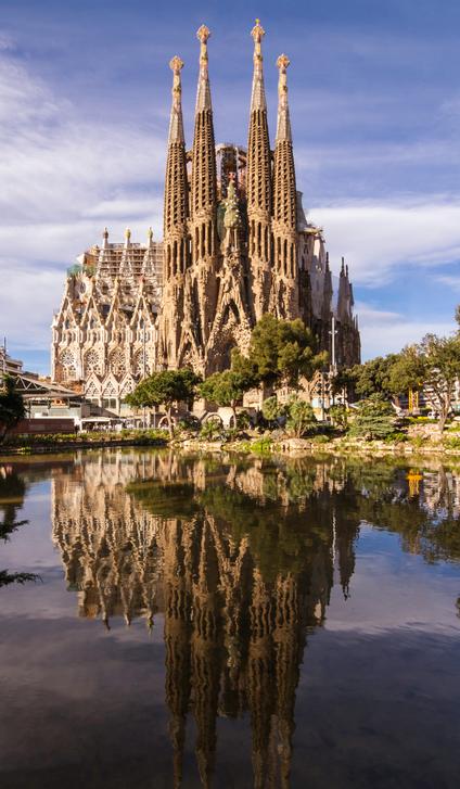 La Sagrada Familia, oeuvre inachevée d'Antonio Gaudi