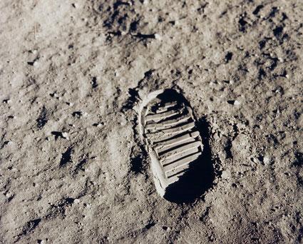 One small step... (Bildquelle: NASA)