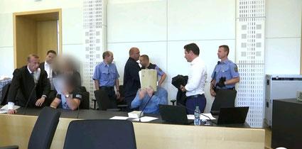 Dr. Denis Matthies vor dem Landgericht Dresden