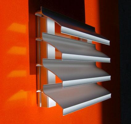 Klassisches Fassadengitter, Einbautiefe 73 mm