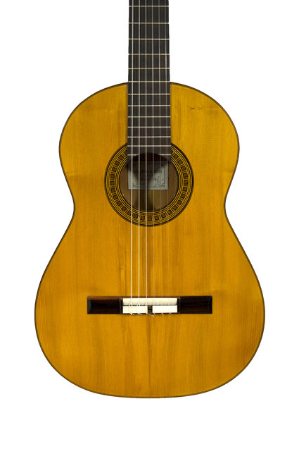 Guillermo Aguer - classical guitar