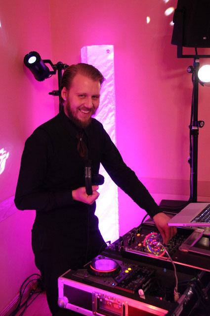 DJ Leipzig für Hochzeit, Abiball, Firmenfeier