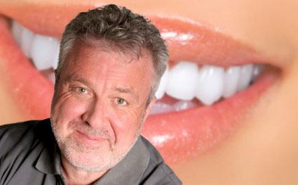 """Dr. Uwe Grosch (""""Doc Grosch""""), Zahnarzt in Coburg: Zahnerhaltung und Prophylaxe"""