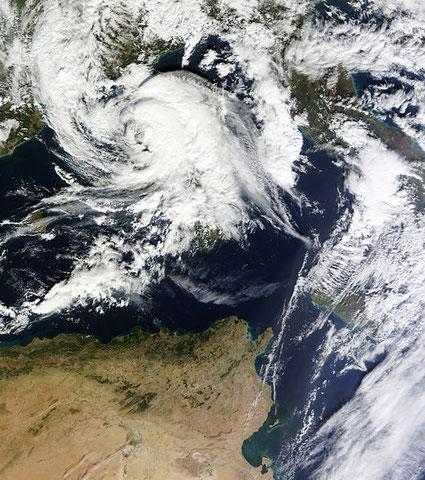 Bildquelle: http://en.wikipedia.org/wiki/User:Atomic7732/Mediterranean_tropical_cyclone