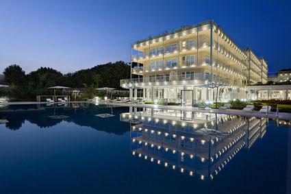 UNA Hotel Versilia Apuanische  Alpen Marmor Carrara edel Golfplatz Pinien Urlaub Golfurlaub Golfferien Golf Italien