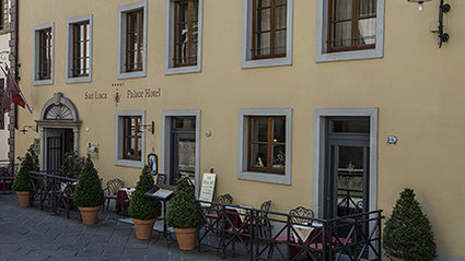 Unser Hotel in der Altstadt von Lucca. Praktisch: Parkplatz vor Ort